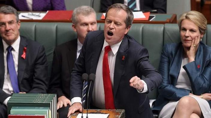 Shorten attacks government